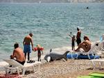 Het zand-kiezelstrand in het noordelijke Faliraki - Foto van De Griekse Gids