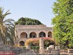 Ruines zijn er overal in Rhodos stad
